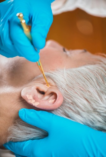 ear-acupuncture-point-therapy-picture-id1158231865